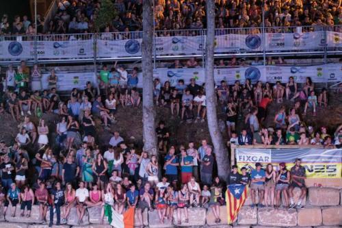 publiczność poza trybunami na brzegach rzeki   photo by Tomasz Czaplicki